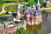 Castillos / castles... / No son increíbles, como de cuento!... / by Chio Cero