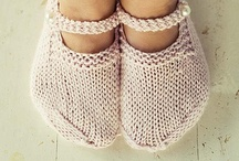 Legs & feet knitting / Tricot pieds & jambes / by Balaine Laine