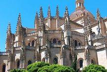 IGLESIAS DEL MUNDO / Las iglesias y catedrales que debemos conocer / by María de Gutiérrez