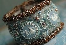 CHARMING JEWELRY DIY / Inspiration and DIYs because making jewelry is such fun!  And who needs the real thing, when these are so pretty? / by Austen Romance