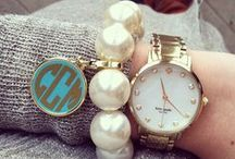 Pulseras, relojes & accesorios / by Corina Velasquez