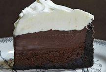 Cakes & Cupcakes (and cookies and pies...) / by Jordan Lemons