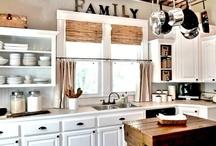 Kitchens / by Deannea Tranter