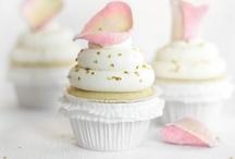 Cupcakes / by Deannea Tranter