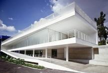 Architecture / by Carolina Garay