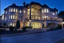 Luxury Homes / Elegant Dream Homes, Mansions,  Palaces, etc  / by Trish Mene