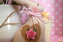 Easter / artesanato de Páscoa. / by Elaine Fauth