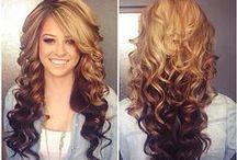Hair Styles / by Tia Hoffmann
