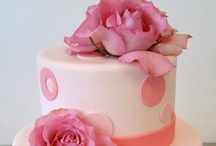 Fondant Cakes / by Cameron Maiden