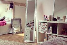 Bedroom / by Morgan Botha