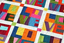 QUILTS / by Gloria Lugo-Chapin
