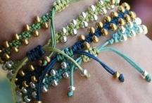 DIY... Bijoux_Bracelets / Idee per braccialetti / by Samanta