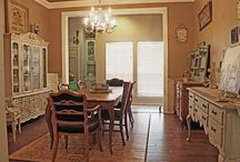 Dining Rooms / Dream dining rooms! / by Nancy Thomas
