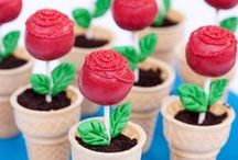 Cake Pops / by Emily Tinuviel