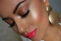 Make-up / by Iulia Georgiana
