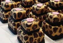 Desserts: Brownies / by Hano Hinano