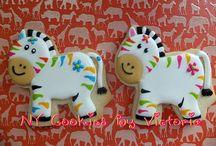 decorated cookies / by Margareth de Ornellas