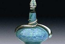 Azul. Arte Frascos de Perfume / by tupak