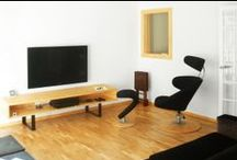 Casa Estudio PJ   08023 Arquitectos - Barcelona / Reforma e interiorismo de un piso en Barcelona. A partir de un deteriorado inmueble el equipo de arquitectos modificó completamente la distribución de la vivienda y diseñó todo el nuevo mobiliario tomando la madera como material principal / by 08023 · Architecture + Design + Ideas