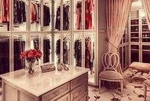 Closets / closet, armários, guarda roupa, penteadeira, make up corner, dressing room / by Juliana Glup
