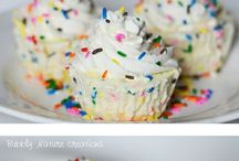 Cupcakes/Muffins / ....you get to eat the WHOLE thing by yourself & not feel guilty... / by Kimmie Young