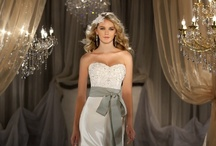 Wedding Dresses / by Heart Emoticon
