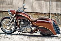 Road King / Custom Harley-Davidson Road Kings / by Baggers Mag