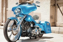Street Glides / by Baggers Mag