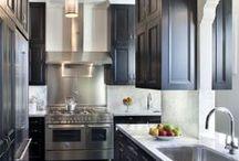 Decor: Kitchens / by Heather Glaeser