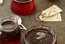 condiments/jellies/jams/butters / by Aafke Heinz