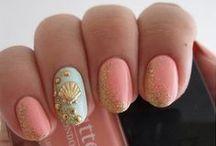 Nails, nails, nails / by Mia Davis