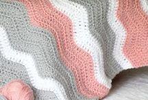 Crochet baby blanket (ripple) / by Marthelene