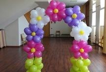 Decoraciones con globos / Decoraciones con globos, tartas de fondant, detalles de fimo o polymer, fiestas para niños, fofuchas de goma eva o foamy, manualidades ... / by Reme Rodríguez Lozano