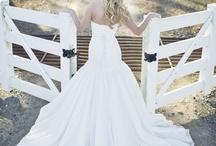 Wedding Dresses / by Valentina Portela