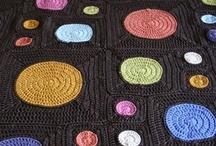 Crochet : colchas, granies & stiches / by Corinne Chaliez