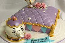 Cakes = Tortas y más tortas!! / by Bellagenio Miami
