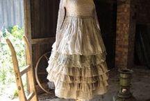 Belles tenues et accessoires... / by Valérie Coutant
