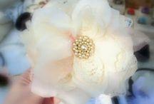 Flores de tecido, papel ou EVA / by Claudia Costa