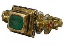 ANTIQUE JEWELRY (500 TO 1900) / by Dolores Fernandez