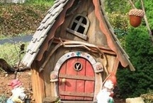 Fairy Doors and Houses / by Julius Simmons