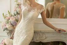 Weddings!!! <3 / Inspiring wedding ideas! :) / by Mary Hardin