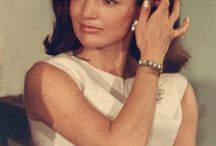 JACQUELINE BOUVIER KENNEDY ONASIS / by Marie