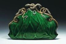 VINTAGE  PURSES,BAGS AND CHATELAINES / by Maria Dolores Fernandez