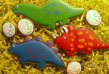 Cookies...animals / Mammels, reptiles, bugs & more in dough / by Sue Evans