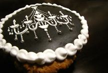 cake & cookie decorating ideas / by Karen Lee