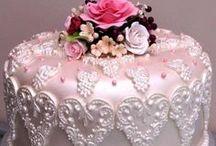 Beautiful cakes / by Eleanor Orton