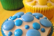 EAT: Cakes and cupcakes / by Tina Gray