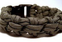 Para cord, Knots, Rope / by Robert Whitehouse
