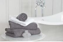 Bathrooms / www.zenbedrooms.com / by Zen Bedrooms