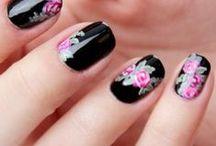 Nails,Unhas / by Ane Castro